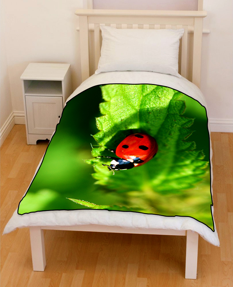 Ladybird Coccinella septempunctata bedding throw fleece blanket